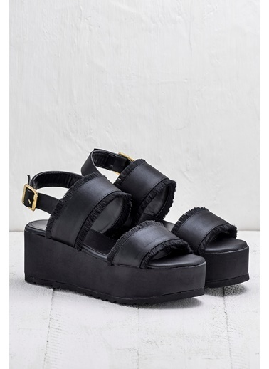 Elle Dolgu Tabanlı Sandalet Siyah